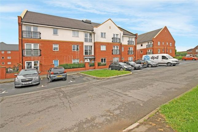 Thumbnail Flat for sale in Campbell Court, Brook Mead, Laindon