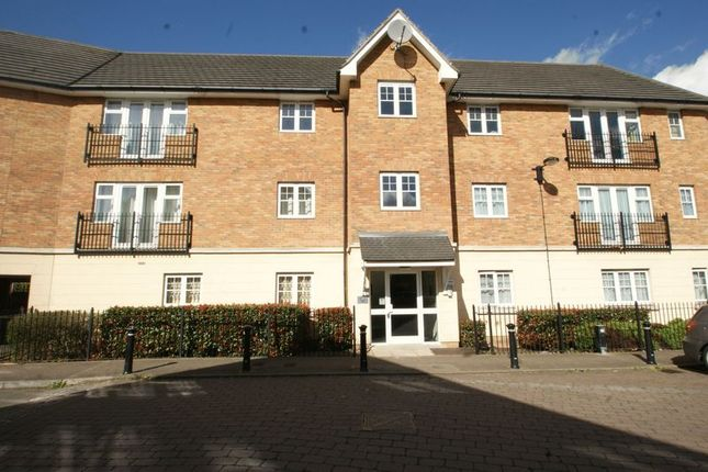 Thumbnail Flat for sale in Caspian Way, Purfleet