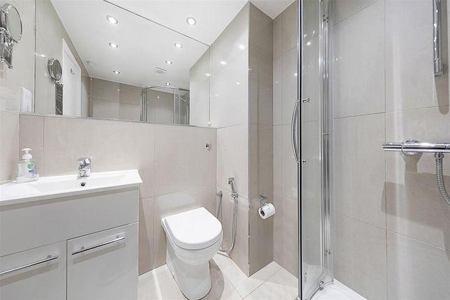 Bathroom of The Water Gardens, London W2