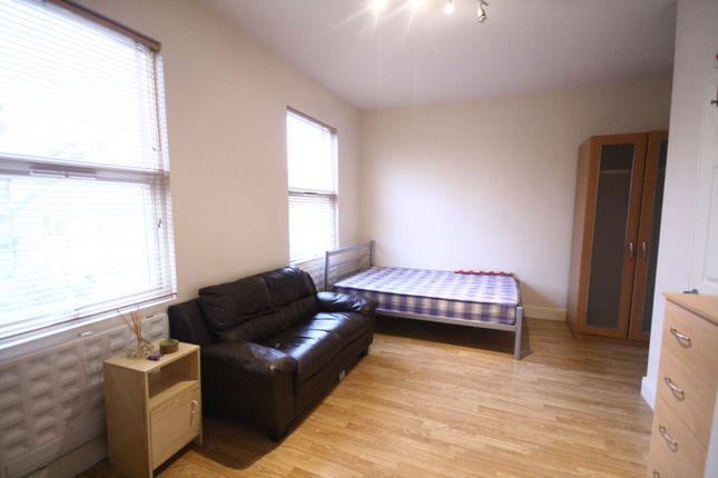 Studio to rent in Portnall Road, Maida Vale