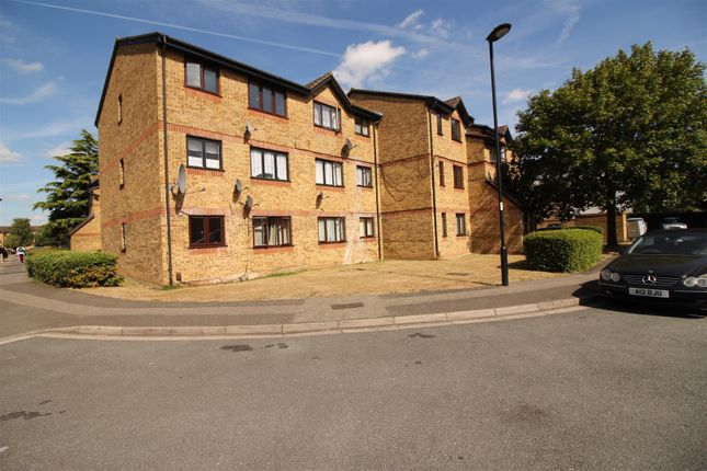 Thumbnail Flat for sale in Westfield Close, Enfield
