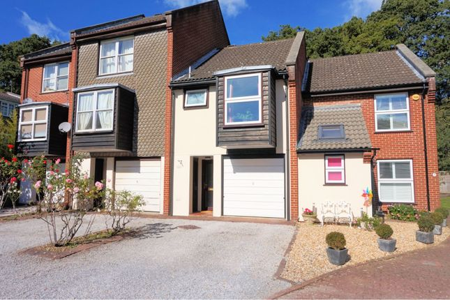 Thumbnail Terraced house for sale in Woodlands Way, Southampton