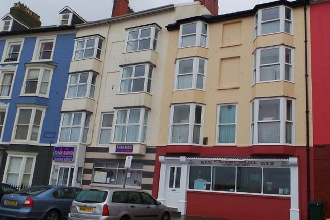 Thumbnail Flat to rent in First Floor Flat 5C Marine Terrace, Aberystwyth, Ceredigion