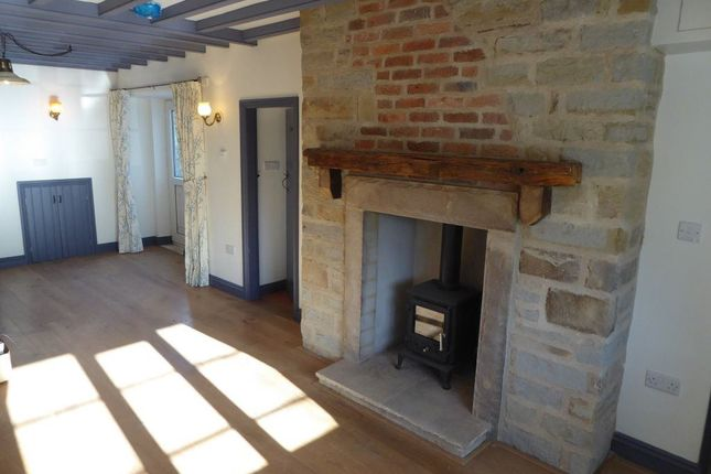 Thumbnail Cottage to rent in Main Street, Sprotbrough, Doncaster