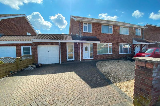 3 bed semi-detached house to rent in Holford Road, Bridgwater TA6
