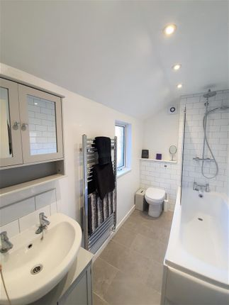 195 Wherstead Road Bathroom