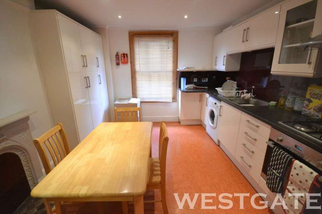 Thumbnail Duplex to rent in Donnington Road, Reading