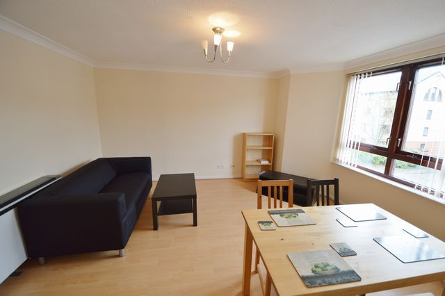 Thumbnail Flat to rent in Milnpark Gardens, Kinning Park, Glasgow