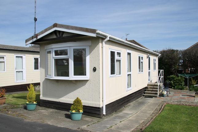 1 bed mobile/park home for sale in Main Avenue, Shaws Trailer Park, Knaresborough Road, Harrogate