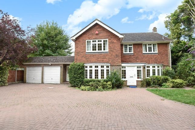 4 bed detached house to rent in Shaftesbury Road, Woking