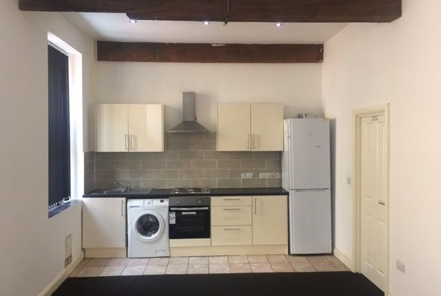 1 bed flat to rent in Flat 6, 20 Russell Street, Keighley, West Yorkshire