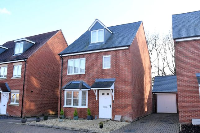 4 bed detached house for sale in Royal Gardens, Tadley, Hampshire