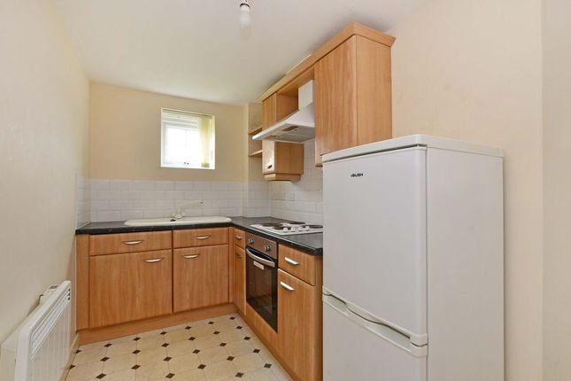 Thumbnail Flat to rent in Elmroyd Court, Penistone, Sheffield