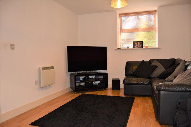 Lounge (2) of New Hey Road, Marsh, Huddersfield HD3