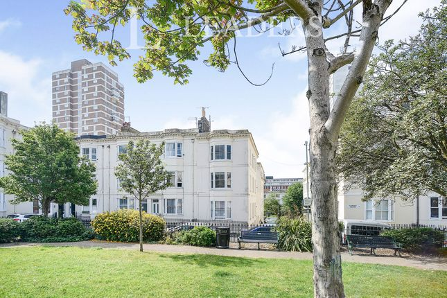 2 bed property to rent in Clarence Square, Brighton BN1