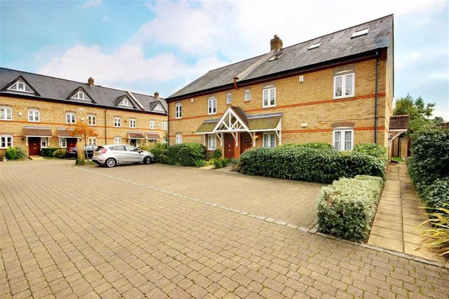 Thumbnail Flat to rent in Sovereign Mews, Cockfosters, Hertfordshire
