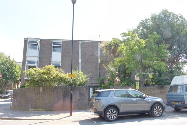 Thumbnail Semi-detached house to rent in Park Hill Road, Croydon