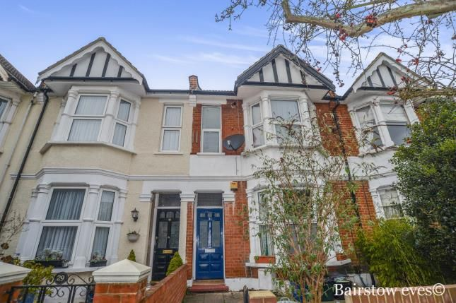 2 bed flat for sale in Harpenden Road, London