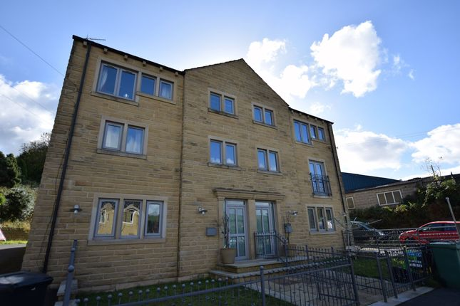 Thumbnail Flat to rent in Banks Road, Linthwaite, Huddersfield