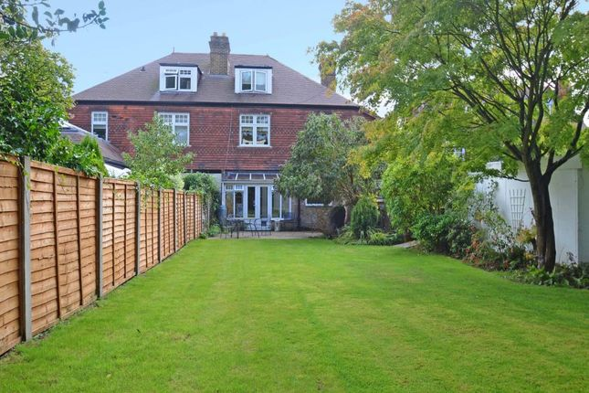 Thumbnail Flat to rent in Burwood Park Road, Walton On Thames