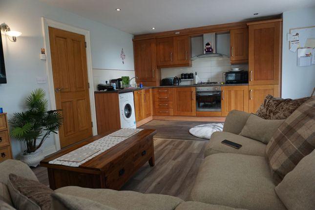 Thumbnail Flat for sale in Linen Mews, Lisburn