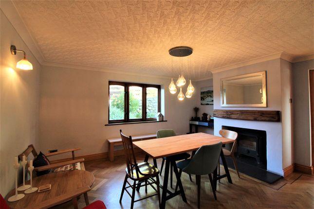 Dining Room of Lon Ganol, Llandegfan, Menai Bridge LL59