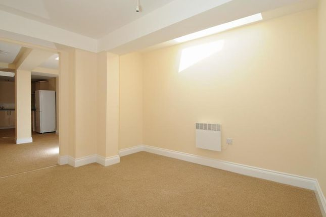 Bedroom of Newbury, Berkshire RG14