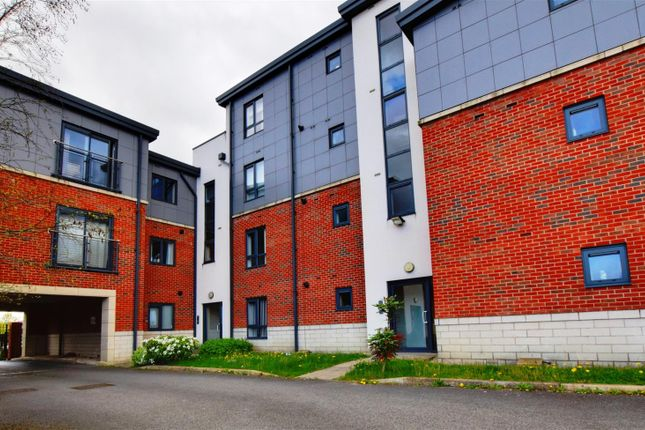 Thumbnail Flat for sale in Brooke Court, Auckley, Doncaster