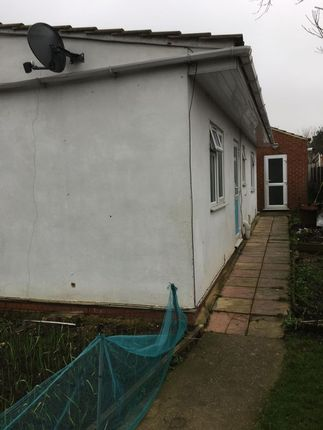 Thumbnail Flat to rent in Raleigh Road, Old Southall