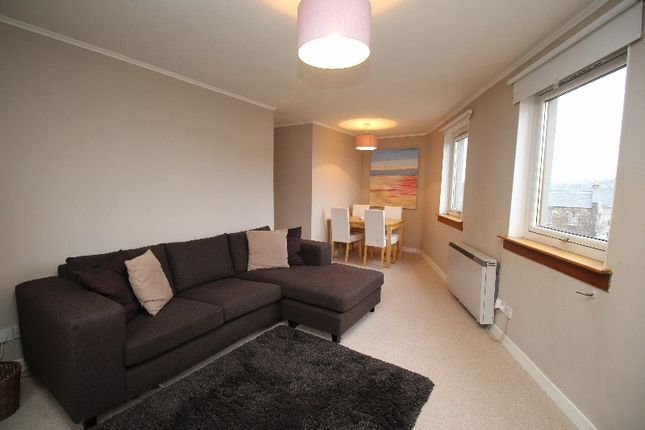 Thumbnail Flat to rent in Abbey Lane, Abbeyhill, Edinburgh