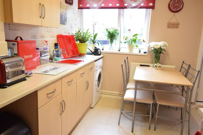 Kitchen of Peacock Street, Scunthorpe, North Lincolnshire DN17