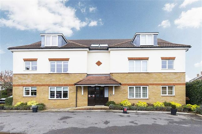 Thumbnail Flat for sale in Foresters Court, The Croft, Loughton