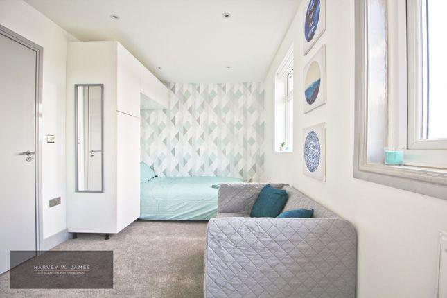 Thumbnail Room to rent in Harvey Gardens, Loughton