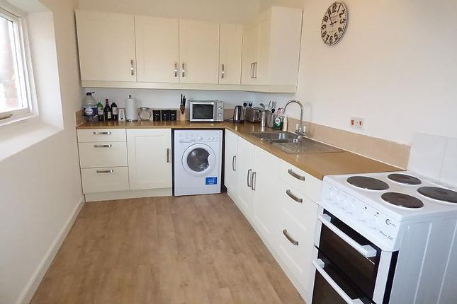Thumbnail Flat to rent in Hillcrest Court, Ipswich Road, Pulham Market