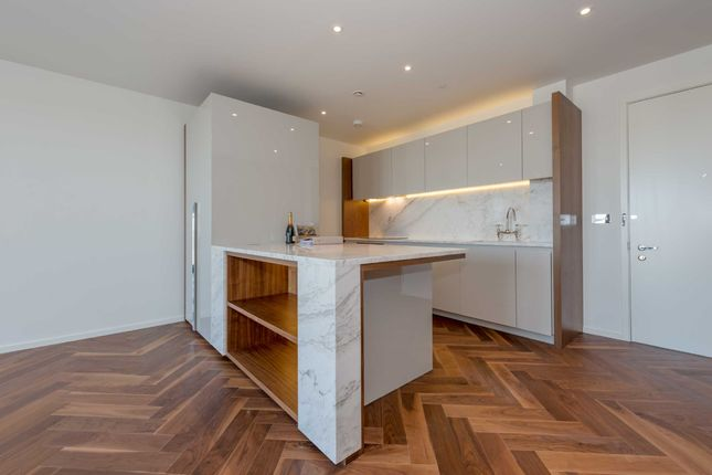 Thumbnail Flat for sale in Ambassador Building, 5 New Union Square, Embassy Gardens, London