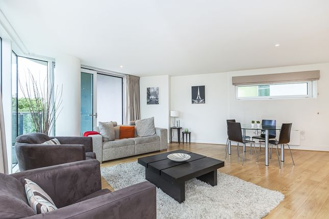 Thumbnail Flat to rent in Empire Square East, Empire Square, London
