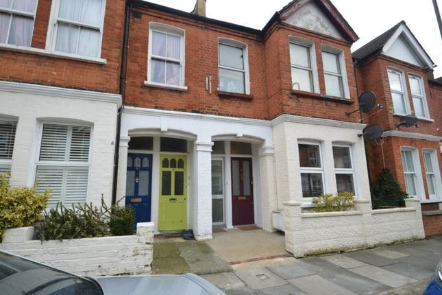 2 bed flat to rent in College Road, Colliers Wood, London