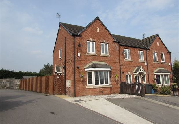 Town house for sale in Durham Way, Parkgate, Rotherham
