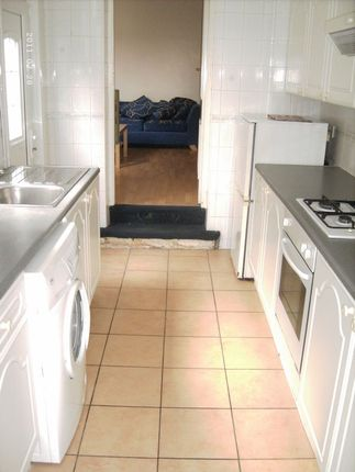 Thumbnail Flat to rent in Sandringham Road, Gosforth, Newcastle Upon Tyne