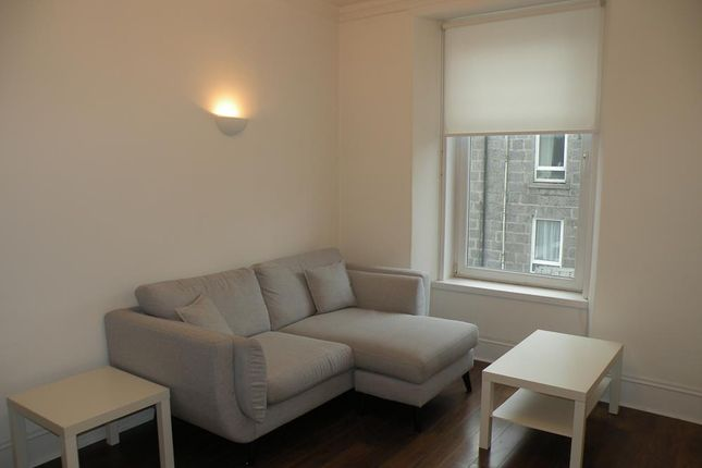 1 bed flat to rent in Esslemont Avenue, First Floor Right AB25