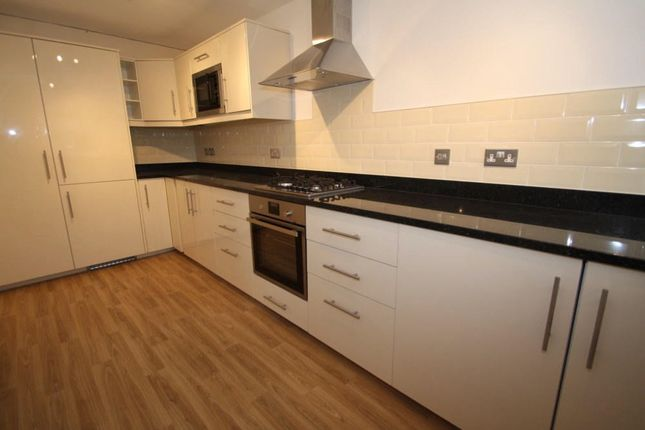 Thumbnail Flat to rent in Rose Close, Cuddington, Northwich