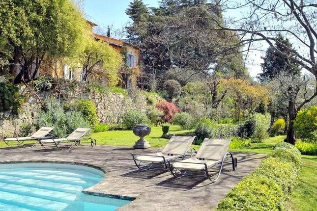 Thumbnail Villa for sale in Chateauneuf De Grasse, Chateauneuf De Grasse, France