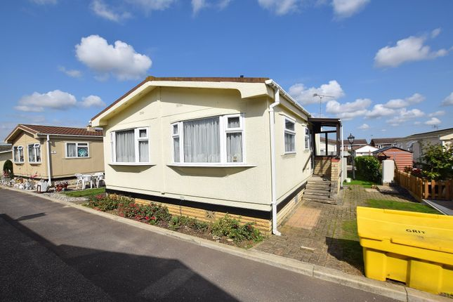 Thumbnail Mobile/park home for sale in Coggeshall Road, Braintree