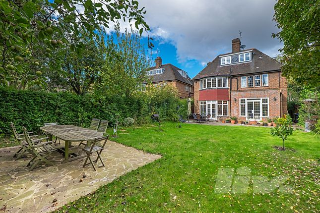 Thumbnail Terraced house to rent in Middleway, Hampstead Garden Suburb
