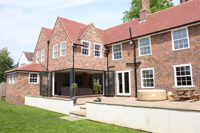 Thumbnail Detached house for sale in Tamworth, Staffordshire
