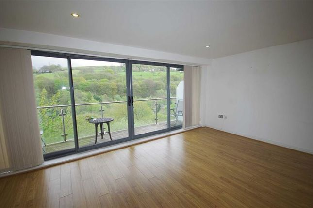 Thumbnail Flat for sale in Oldham Road, Sowerby Bridge