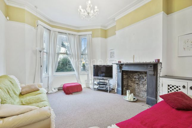 3 bed terraced house to rent in Mostyn Gardens, Kensal Rise, London