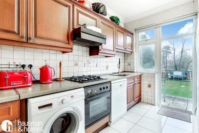 5_Kitchen-1 of Woodlands, London NW11