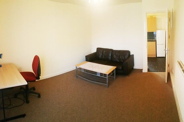 Thumbnail Property to rent in Chelford Close, Manchester