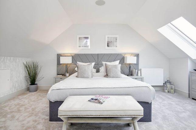 Lawrie Grand Bearsden Bedroom ( In Roof 1)
